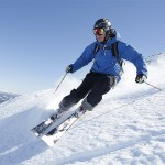 guy-skiing-in-hemsedal-dsbw-1400x1400